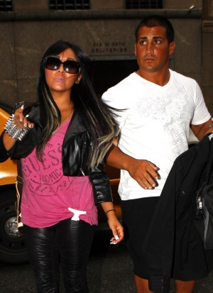 Snooki Denies Husband's Ashley Madison Cheating Scandal: Claims Jionni LaValle Doesn't Fool Around