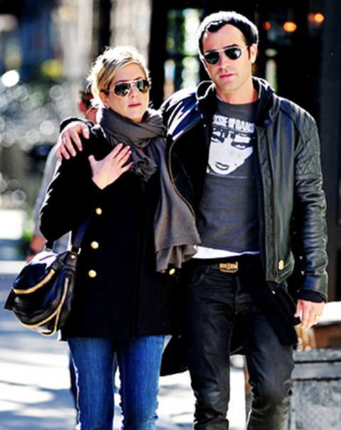 Eternal Copycat Jennifer Aniston Baby Bump Finally Confirms Pregnancy With Fiance Justin Theroux