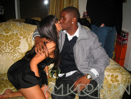 Kim Kardashian Leaves Kris, Returns to Reggie Bush?