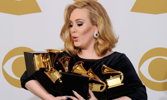 Adele Hid Pregnancy For 7 Months, Expected To Give Birth In September