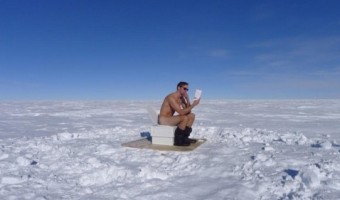 Alexander Skarsgard Naked Melts The Snow In South Pole (PHOTO)