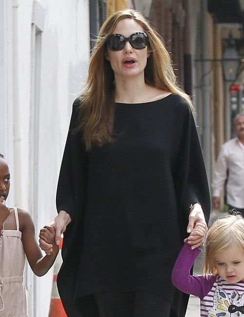 Angelina Jolie's Clothing Choice Implies That She Is Pregnant (Photo)