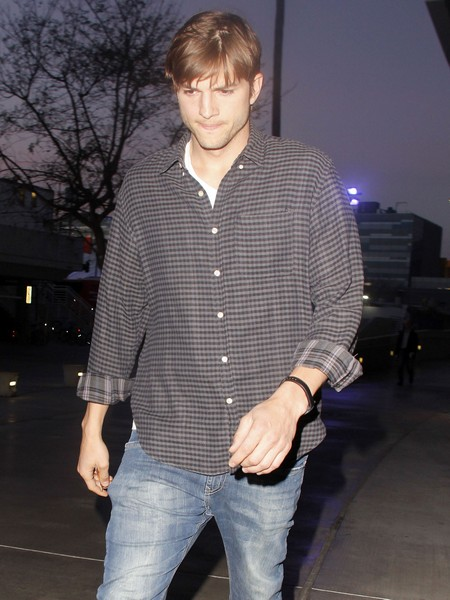 Ashton Kutcher Accepts $700K To Come Back To Two and A Half Men