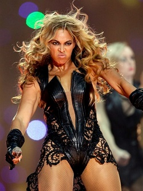 Wanna Know What Color Toilet Paper Beyonce Demands On Her Tour Rider?
