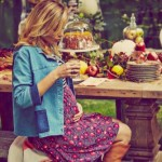 Blake Lively Pregnant – Shows Off Baby Bump (PHOTO)