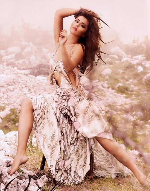 Cheryl Cole SIZZLES in 2012 Calendar – OFFICIAL PHOTOS