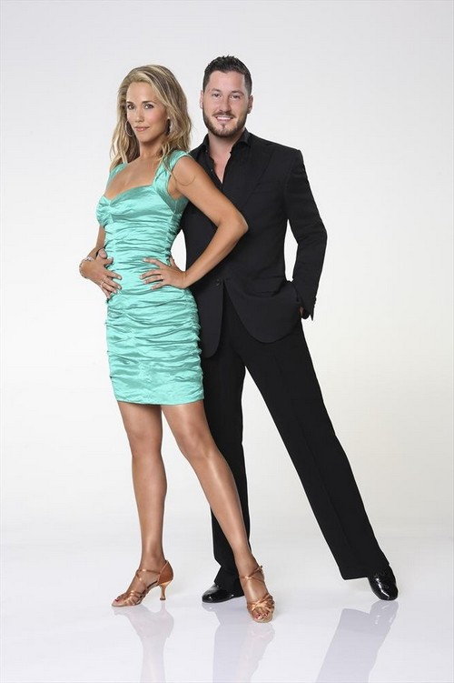 Meet Elizabeth Berkley Lauren - Dancing With The Stars Season 17 Contestant