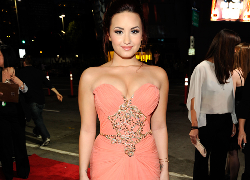 Demi Lovato Feuds With Perez Hilton Over Lindsay Lohan