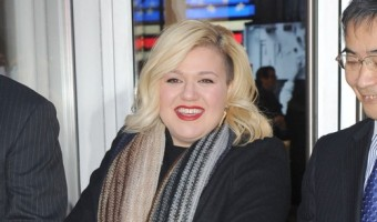 Kelly Clarkson Was Hospitalized With Her First Pregnancy