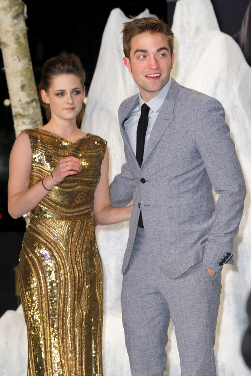 Kristen Stewart & Robert Pattinson Back Together and Eloping - Report