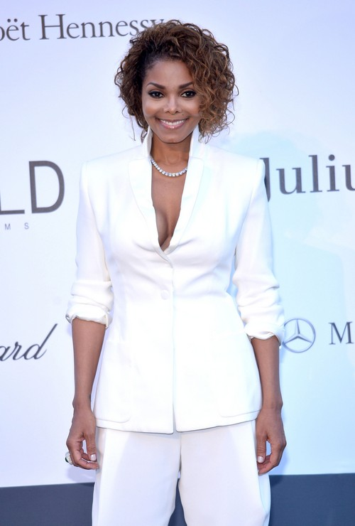 Janet Jackson Cuts Off Money Grubbing Brothers