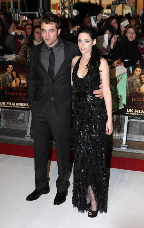 New Book to Chronicle Rob Pattinson and Kristen Stewart Romance