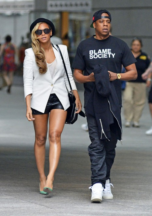 Beyonce and Jay-Z Vist North West With Blue Ivy