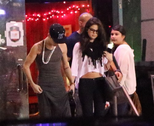 Exclusive...Justin Bieber & Selena Gomez's Attempt At Dinner Ends Badly! Add Web Fees