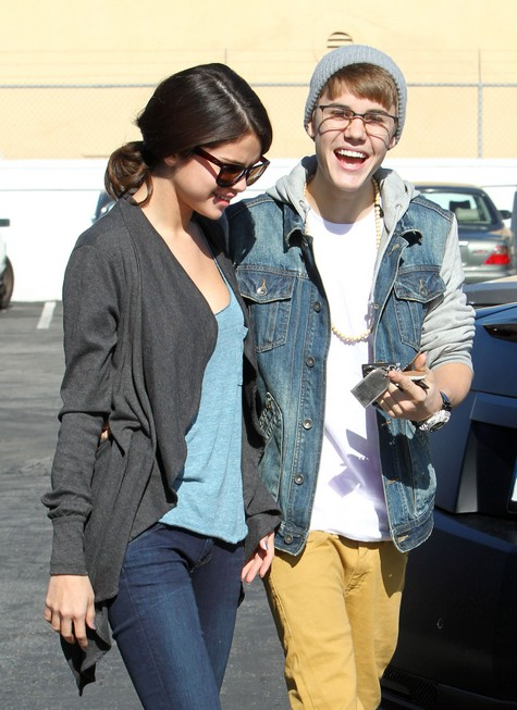Selena Gomez Tried To Split Up With Justin Bieber Many Times