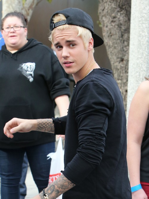 Justin Bieber Dyed His Hair Blonde To Impress Selena Gomez