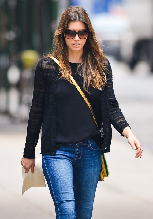 Jessica Biel Out For A Stroll In New York