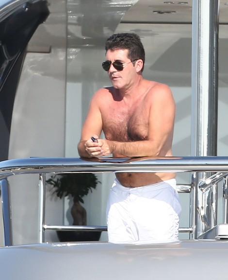 Simon Cowell Confirms Break-Up To Carmen Electra, Says He's Looking For Something New