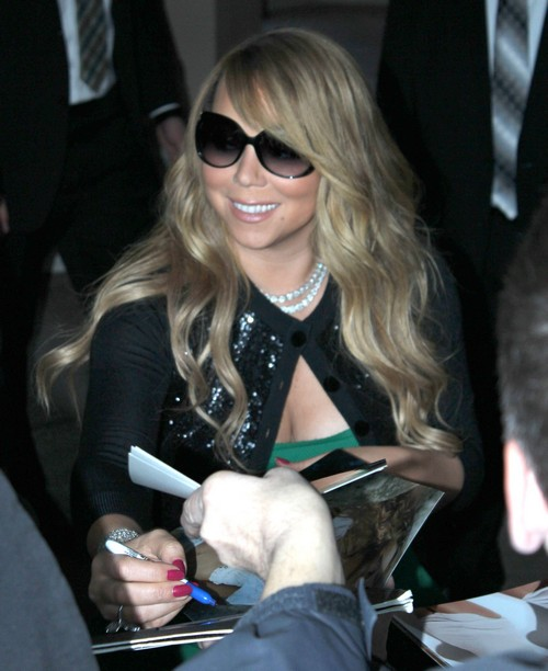 Mariah Careys Fans Hate Concert  Stick To American Idol, Music Career Is Over