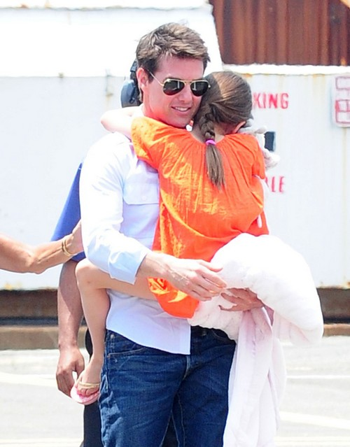 Suri Cruise Will NOT Be Spending Christmas With Her Father Tom Cruise