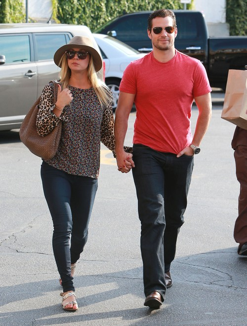 Kaley Cuoco & Henry Cavill Have Split!