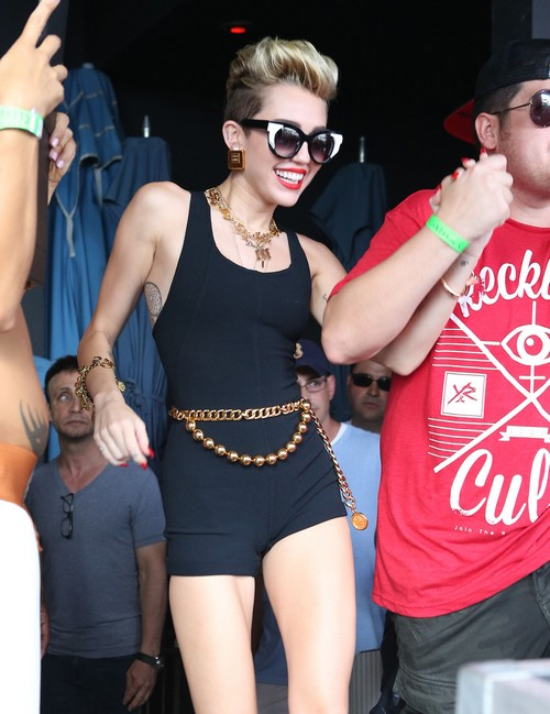 Miley Cyrus Caught Doing Cocaine: Report
