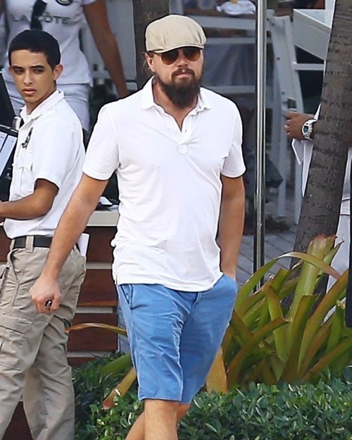 Leonardo DiCaprio On Tinder As ''Leonard