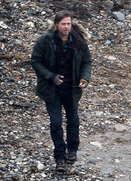 Brad Pitt Shooting Scenes for &quot;World War Z&quot; (Photos)