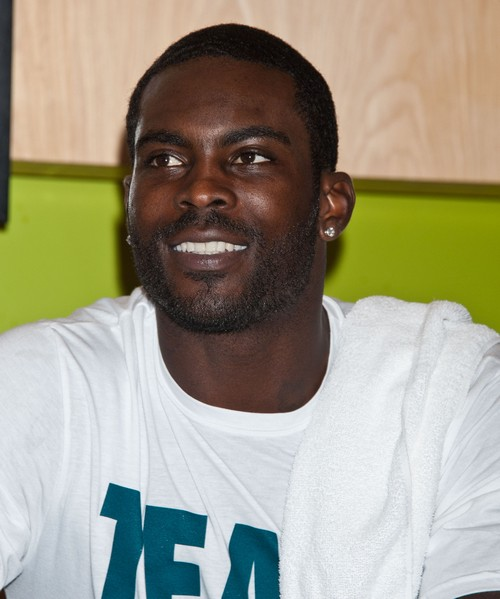 Michael Vick Receiving Death Threats But He Won't Hide