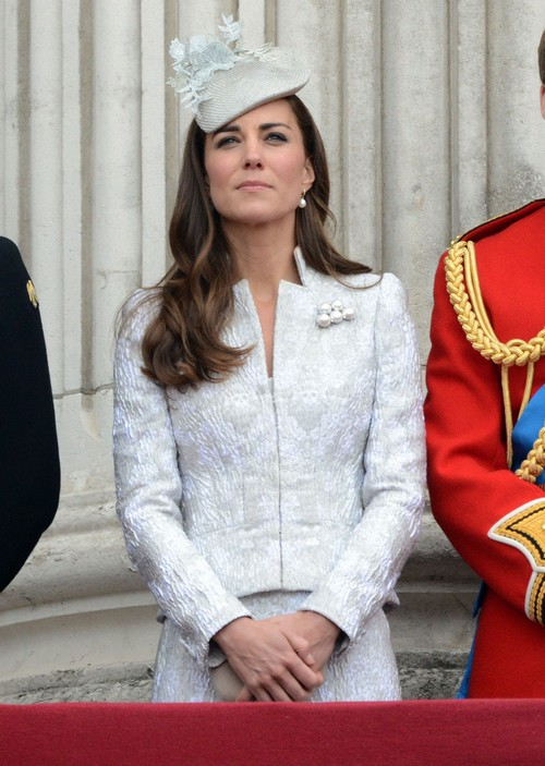 Queen Elizabeth Not Impressed With Kate Middleton - Thinks Kate Is Supremely Lazy