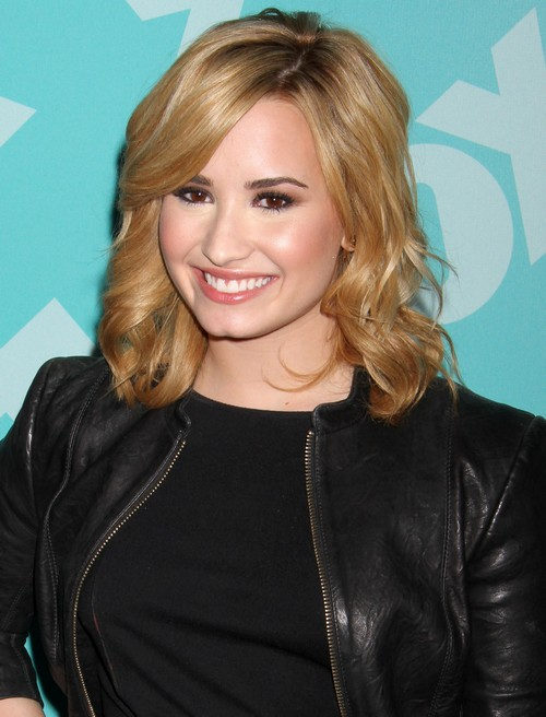 "Demi Lovato Gets A New Tattoo ""Now I'm A Warrior"" (Photo)"