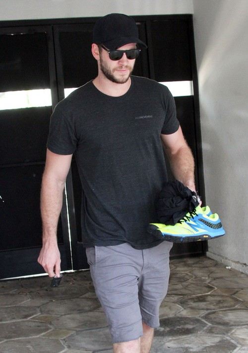Liam Hemsworth Leaving The Gym