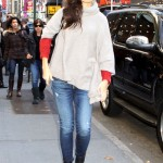 Katie Holmes Caught Kissing A New Man!