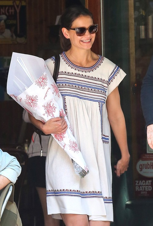 Katie Holmes Leaving A Cafe In NYC