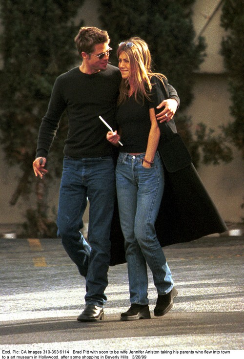Jennifer Aniston Still Obsessed with Brad Pitt, She Is Headed To Therapy!