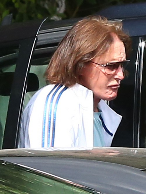 Bruce Jenner Hates The Kardashian Sisters - Reason He Split With Kris Jenner?