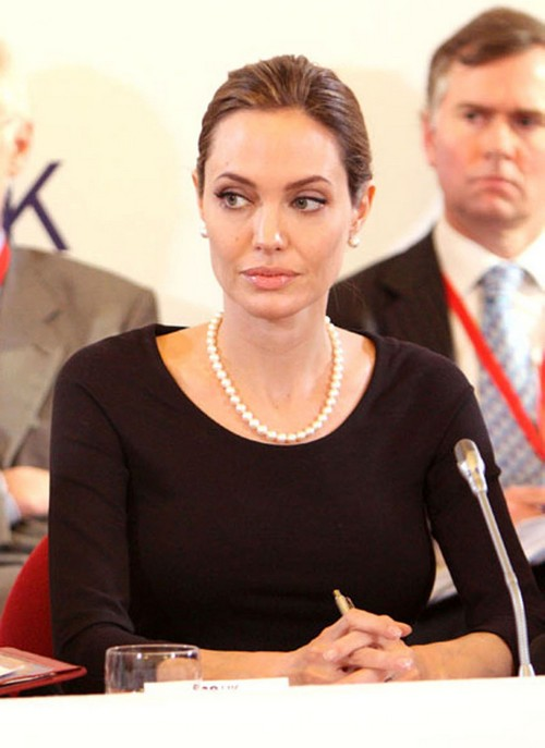 Angelina Jolie Underwent A Double Mastectomy Procedure 