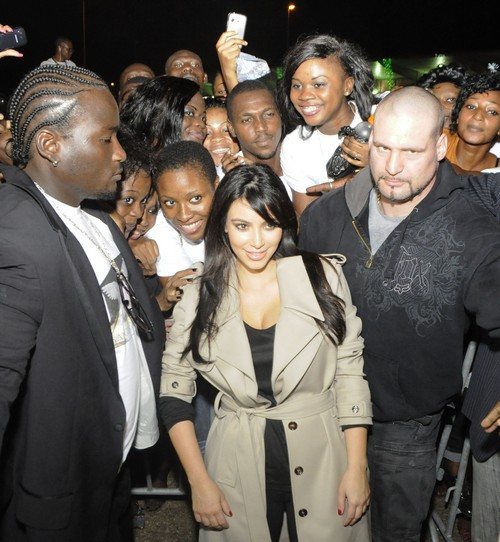 Kim Kardashian Is Warmly Greeted By Fans in Abidjan (Photos)