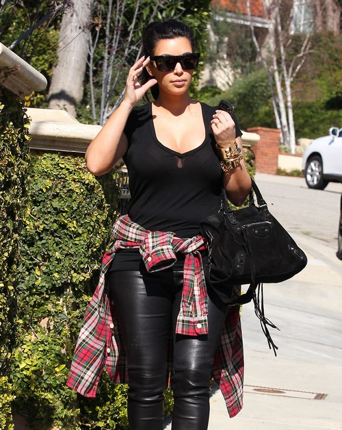 Semi-Exclusive... Pregnant Kim Kardashian Leaving Her Home