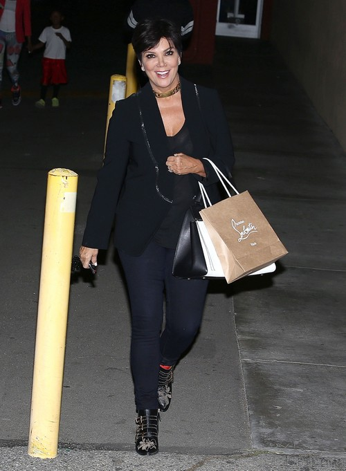 Kris Jenner Threw A Frying Pan At Her Ex-Husband