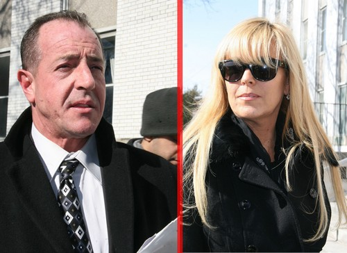 The Truce is Over Between Dina Lohan and Michael Lohan - Back At WAR!