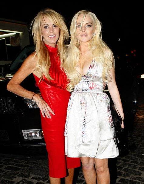 Cops Bust Up Domestic Violence between Lindsay Lohan and Dina Lohan