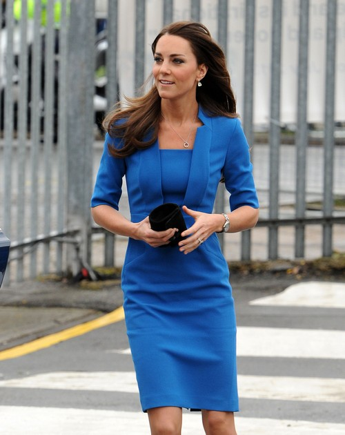 Kate Middleton Not Pregnant Carries On Royal Valentine's Day Duties [PHOTOS HERE]