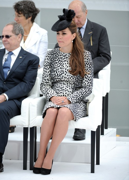Kate Middleton Planning Natural Birth – Forced Into It By Royal Family?