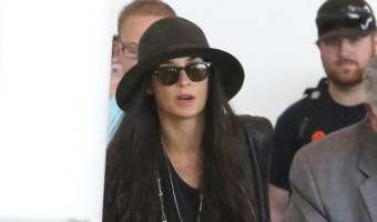 Demi Moore Desperate To Watch JOBS, Still Obsessed With Ashton Kutcher