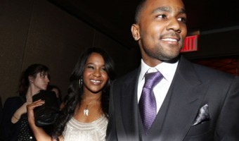 Bobbi Kristina Brown is Being Taken Off Life Support – Family and Friends Gather to Say Goodbye