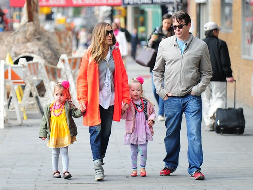 Sarah Jessica Parker & Matthew Take Their Daughters To School