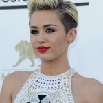 Miley Cyrus & Liam Hemsworth's Engagement Is Back On