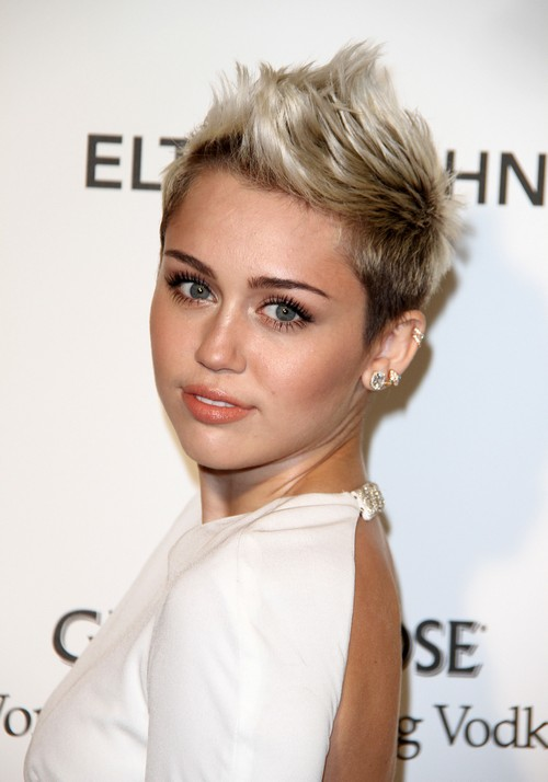 Miley Cyrus Not Heading To Australia To See Liam Hemsworth