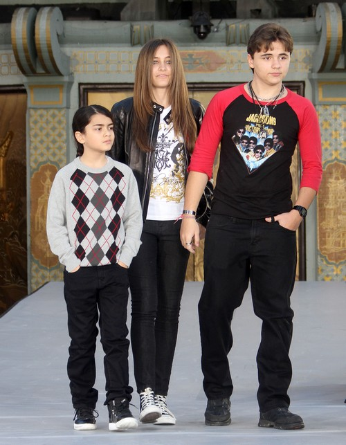 Michael Jackson&#8217;s Children Paris and Prince Jackson Prepare to Testify on His Behalf
